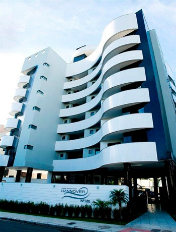 Apartamento com 03 suítes no Centro de Criciúma