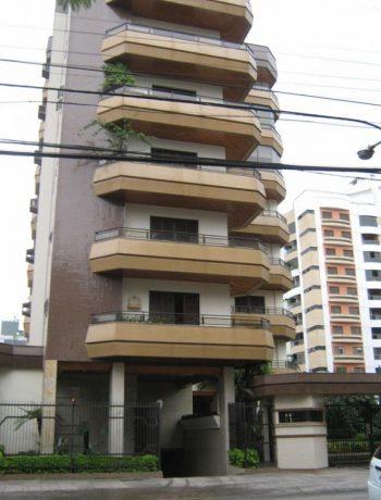 Apartamento com 03 dormitórios e 271m² privativos, Centro, Criciúma